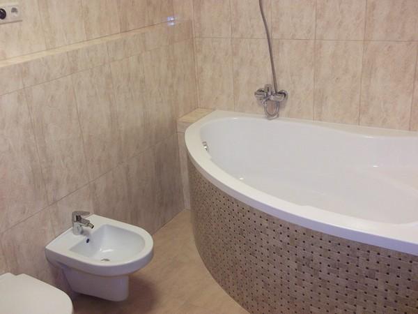 маленькая округлая ванна