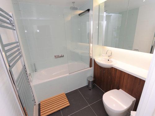 хай-тек интерьер ванной комнаты