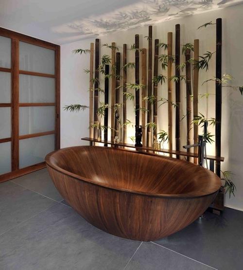 бамбук и оригинальная ванна