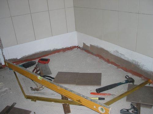 стяжка пола в ванной