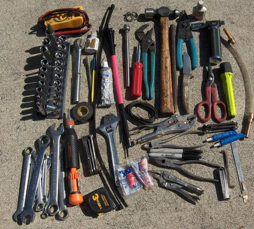 типичный набор инструментов
