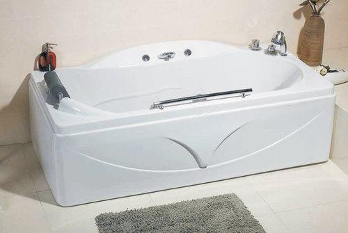 популярная модель ванны с гидромассажем