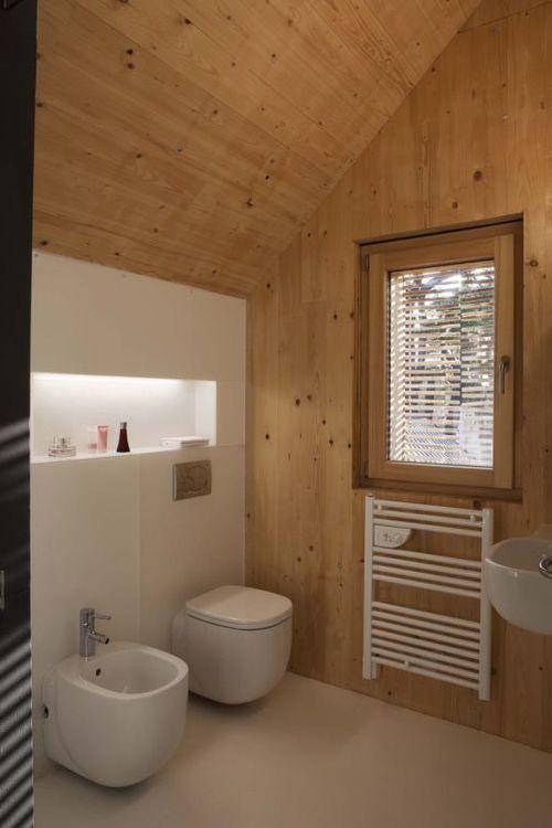 Санузел в деревянном доме дизайн