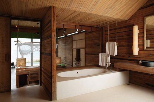 Vandtætning af et badeværelse i et træhus
