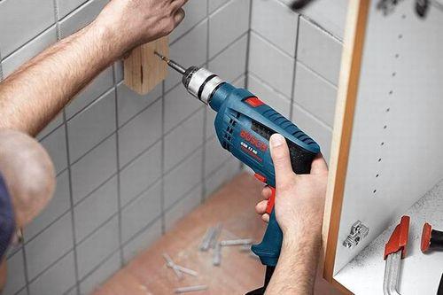Как аккуратно снять плитку в ванной