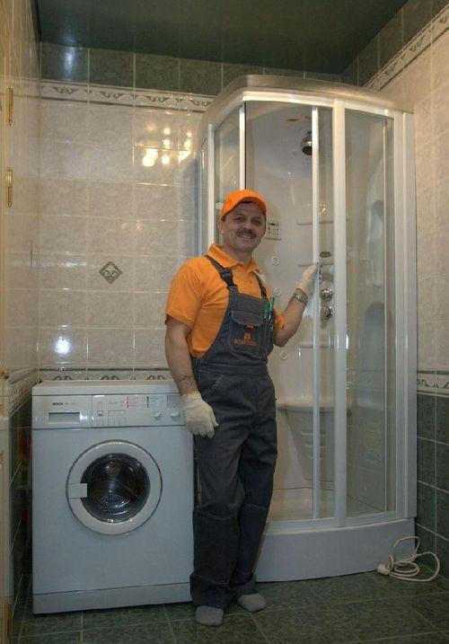 montazh-dushevoj-kabiny_3
