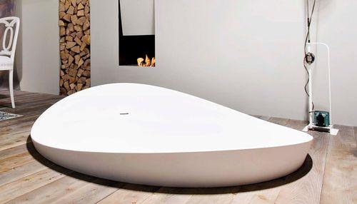 Акриловая ванна необычного дизайна
